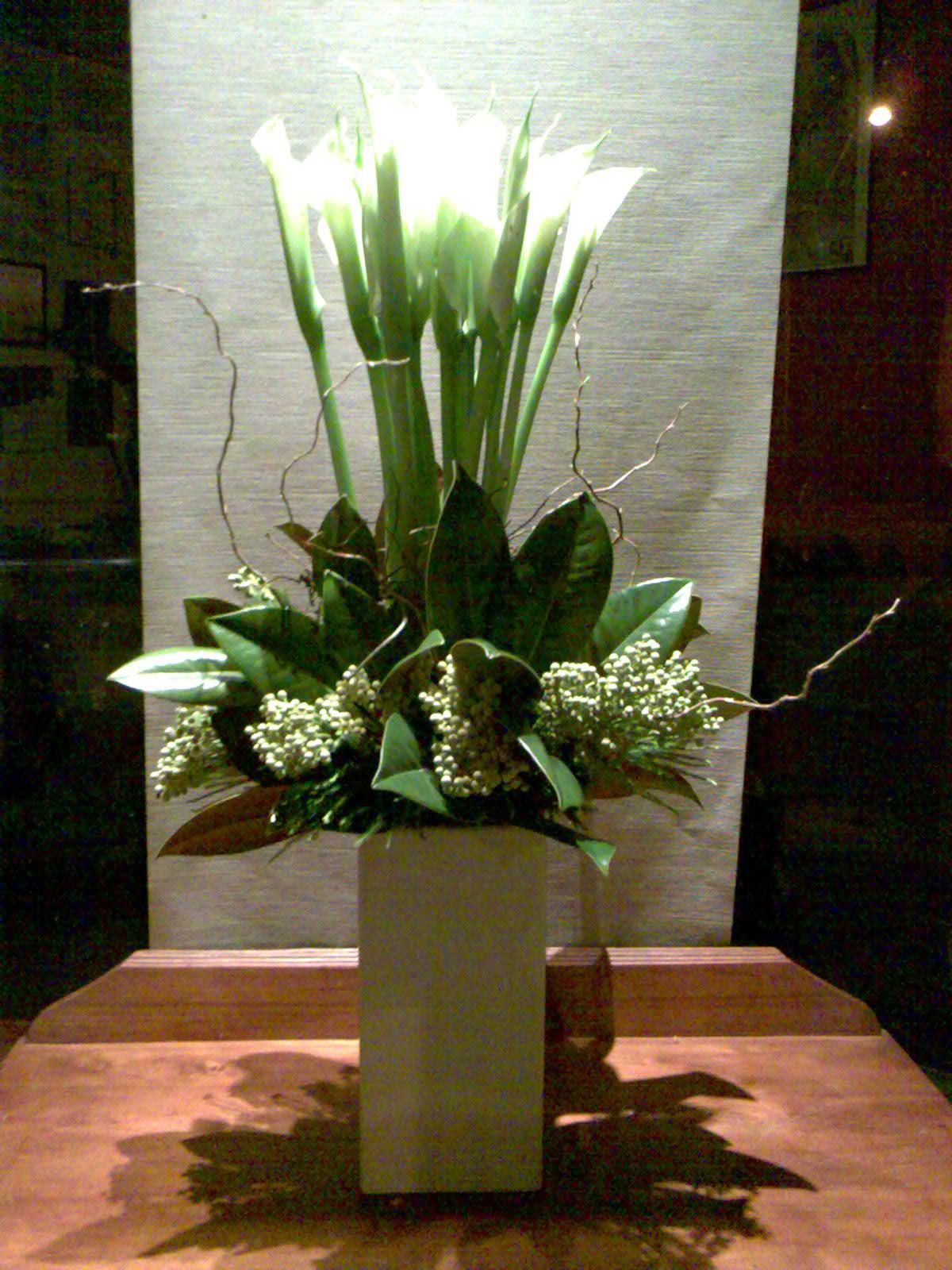 http://www.floweravenue.com.au/images/Arum.jpg